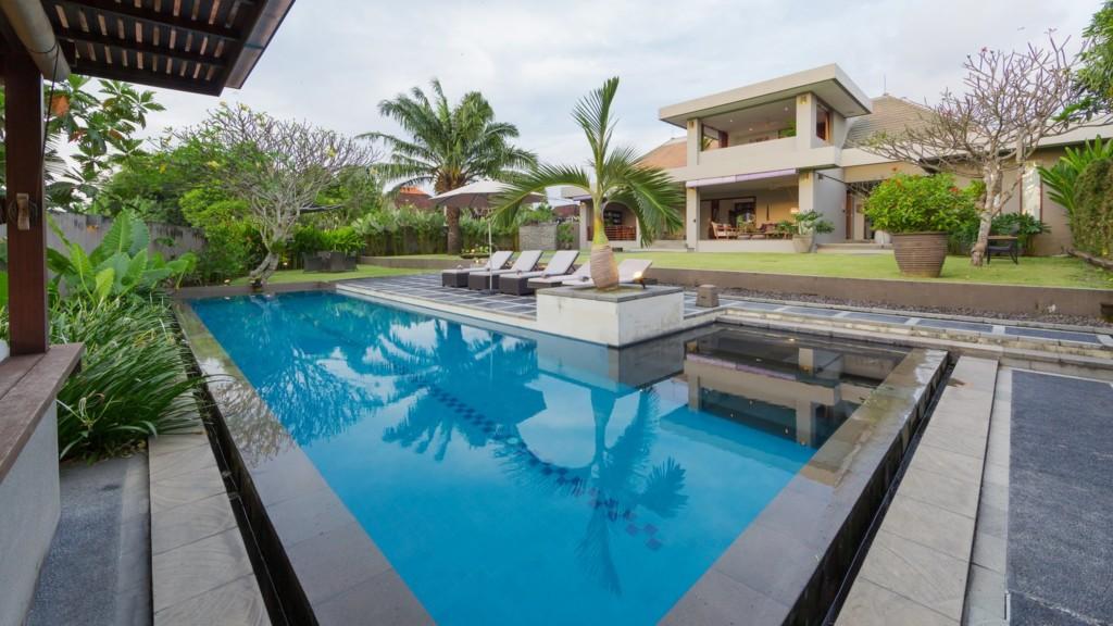 The Uma Villa