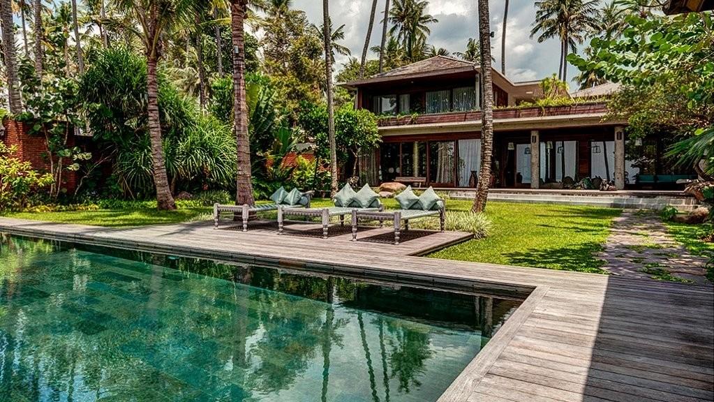 Villa Manis Beachfront