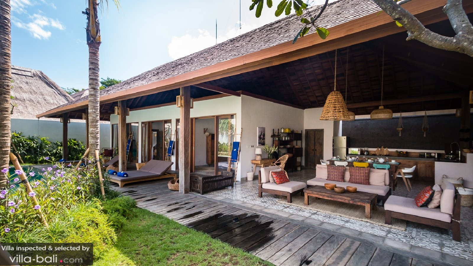 Cabana Emile In Uluwatu Bali 3 Bedrooms Lowest Price