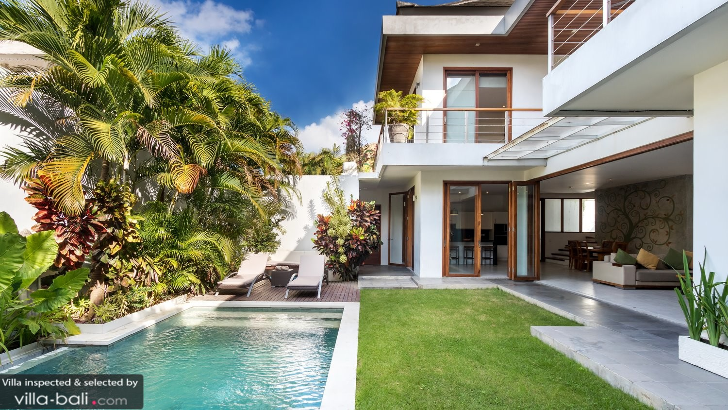 Casa cinta 1 in seminyak bali 3 bedrooms best price reviews - Maison a louer a bali ...