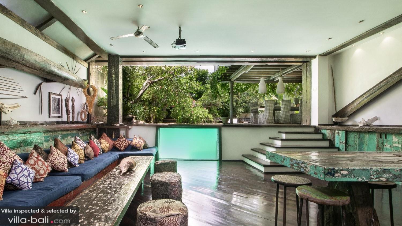 Wohnzimmer einrichten grau for Villa einrichten