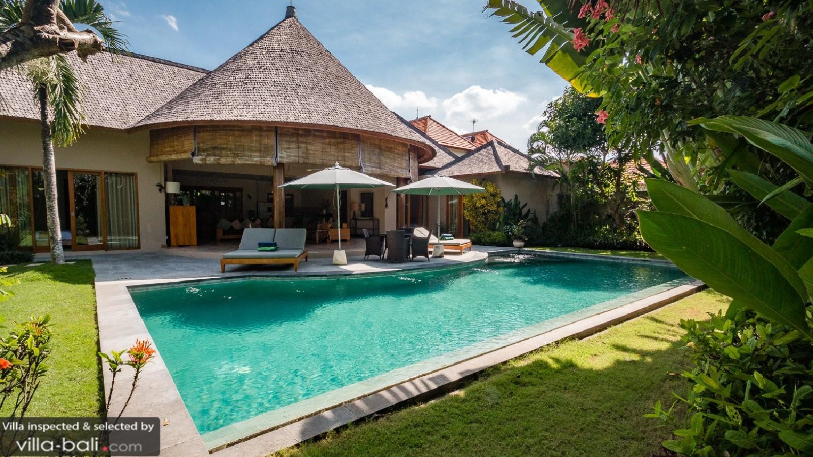 Villa lea satu in umalas bali 4 bedrooms best price - Villas en bali ...